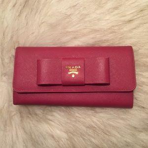 100% AUTHENTIC Prada Saffiano bow wallet 92ad0caf9f